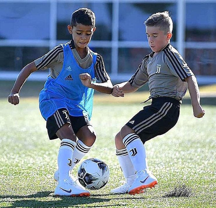 Ronaldo si-a transferat si fiul! La ce echipa va juca Cristiano Junior:
