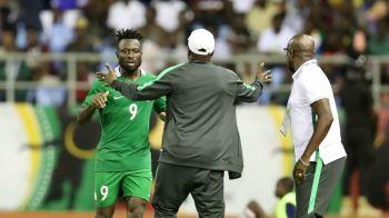 Antrenor de la Mondial, FILMAT in timp ce lua mita de la ziaristi sub acoperire! Ce suspendare i-a dat FIFA