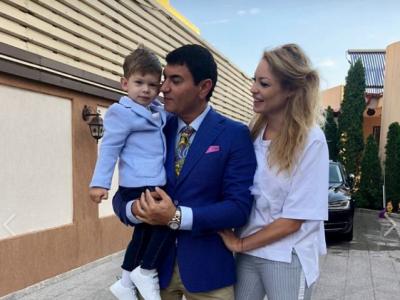 Borcea lucreaza la New Dinamo :)) Fabulos: va avea inca doi copii cu Valentina Pelinel! Fostul sef din Stefan cel Mare are deja 6 copii cu 3 femei