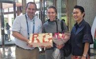 SIMONA HALEP a ajuns la Wuhan! Chinezii au asteptat-o cu tort si flori la aeroport. FOTO