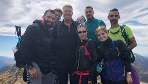 Reacția Președintelui României când se întâlnește pe munte cu turiști obișnuiți. Ce i-au cerut aceștia
