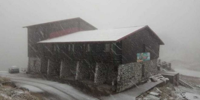 Prima ninsoare din această toamnă, la Bâlea Lac. VIDEO