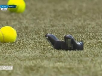 Singurii care NU asteapta lansarea jocului FIFA 19! Fanii au aruncat in teren cu gamepad-uri si au injurat EA Sports! Care e motivul