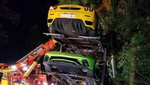 Brad decorat cu Ferrari si Lamborghini sau cum sa FACI PRAF masini in valoare de 2,2 milioane de euro! FOTO | Accident spectaculos