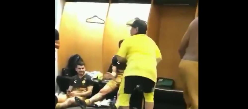 A inceput sa danseze pe teren! Maradona a facut SHOW in vestiar dupa un meci castigat dramatic