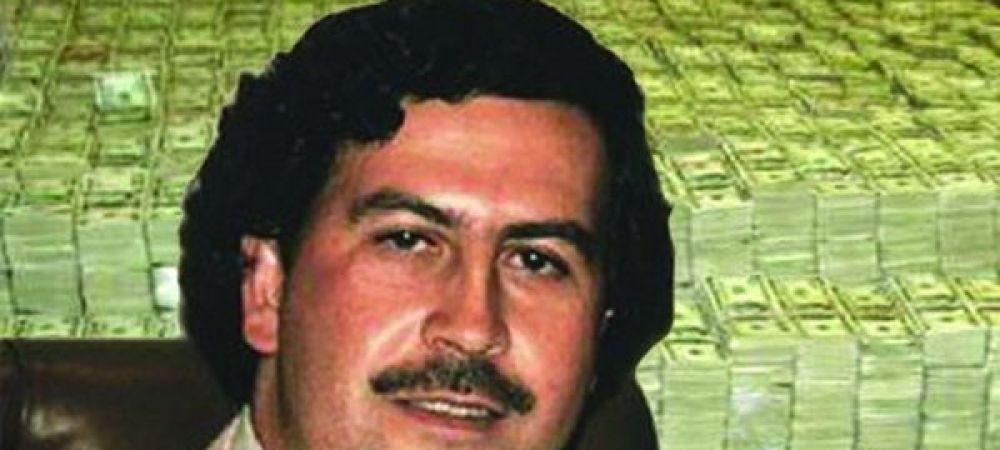 Cum a fost surprins celebrul Pablo Escobar cand a fost la Disney alaturi de familia sa! Imaginea e GENIALA