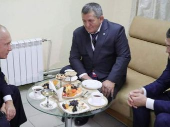 Khabib, fata in fata cu Putin dupa victoria cu McGregor! Mesajul incredibil al presedintelui Rusiei