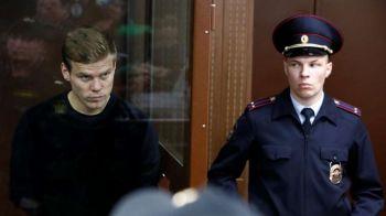Imagini INCREDIBILE: Kokorin si Mamaev, tinuti in CUSCA in fata judecatorilor! Vor sta la inchisoare pana in decembrie si risca 5 ani de detentie