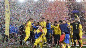 """""""Am luptat, ne-am calificat, ne-am bucurat. Impreuna!"""" Gest in premiera facut de FRF dupa calificarea la EURO U21! FOTO"""