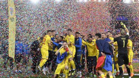 Am luptat, ne-am calificat, ne-am bucurat. Impreuna!  Gest in premiera facut de FRF dupa calificarea la EURO U21! FOTO