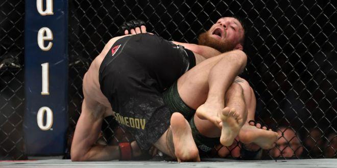 Abia acum s-a aflat! Ce s-a intamplat cu adevarat dupa lupta dintre McGregor si Khabib! Un fan a sarit in mijlocul HAOSULUI:  Conor putea fi OMORAT!