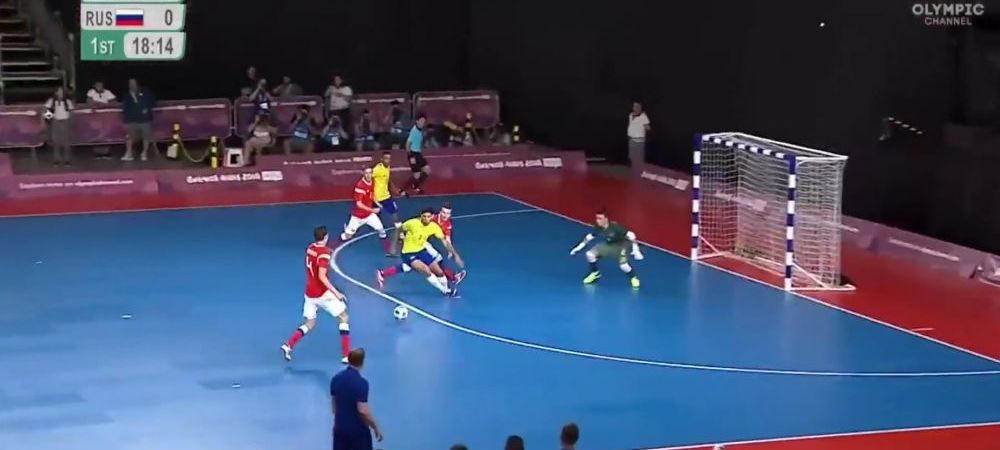 Colegii si-au pus mainile in cap! Ce a putut sa faca un rus la finala olimpica impotriva Braziliei: mingea s-a dus direct la vinclu in propria poarta