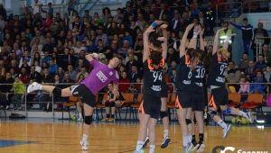 Zalaul lui Tadici la distanta URIASA de CSM Bucuresti! Performanta UNICA in Liga Nationala