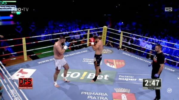 Andrei Stoica a castigat la decizie meciul cu Memedi