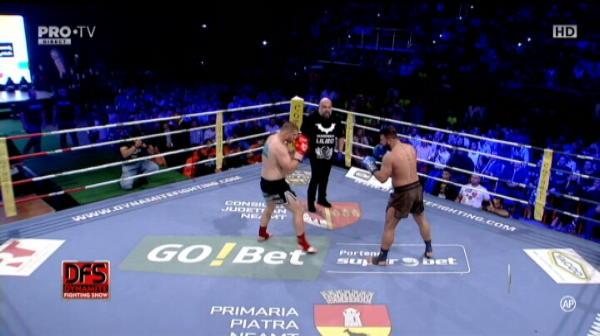 VIDEO Morosanu i-a rupt piciorul turcului Ozer in prima runda! Andrei Stoica l-a batut pe albanezul Memedi, Ciobanul Nastase l-a distrus pe gigantul de 150 kg din Cuba