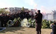 DURERE MAXIMA | Ilie Balaci, inmormantat cu onoruri militare! Mii de oameni au venit sa-si ia ADIO de la Minunea Blonda! VIDEO