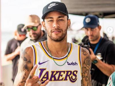 Ultimul tatuaj al lui Neymar: i-a desenat pe Spiderman si Batman pe tot spatele // FOTO