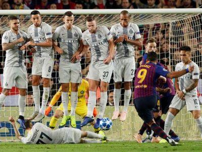 FAZA SERII in Champions League: Brozovic s-a aruncat SUB zid si i-a furat golul lui Suarez. Reactia lui Messi :)