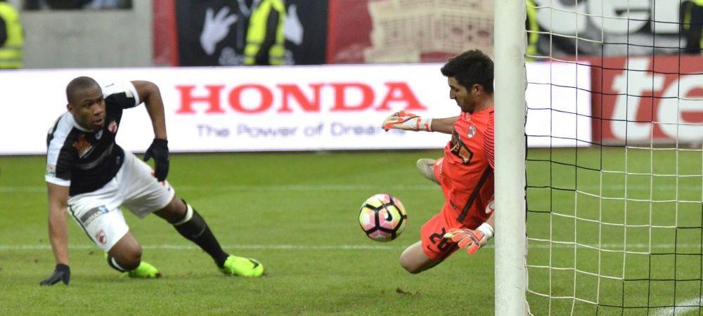 Tensiuni URIASE la Dinamo! Sedinta la club pentru Penedo si Cooper! Ce decizie s-a luat in privinta lor