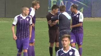 Comedia etapei in Romania: arbitrul a uitat de prelungiri, apoi a chemat fotbalistii de la vestiare sa mai joace 2 minute :)