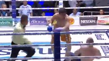 VIDEO | Tragedie in ring: un campion din boxul thailandez a murit dupa un KO