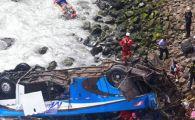 Accident tragic: 7 jucatori au murit dupa ce autobuzul a cazut in prapastie. Autoritatile au declansat planul de urgenta