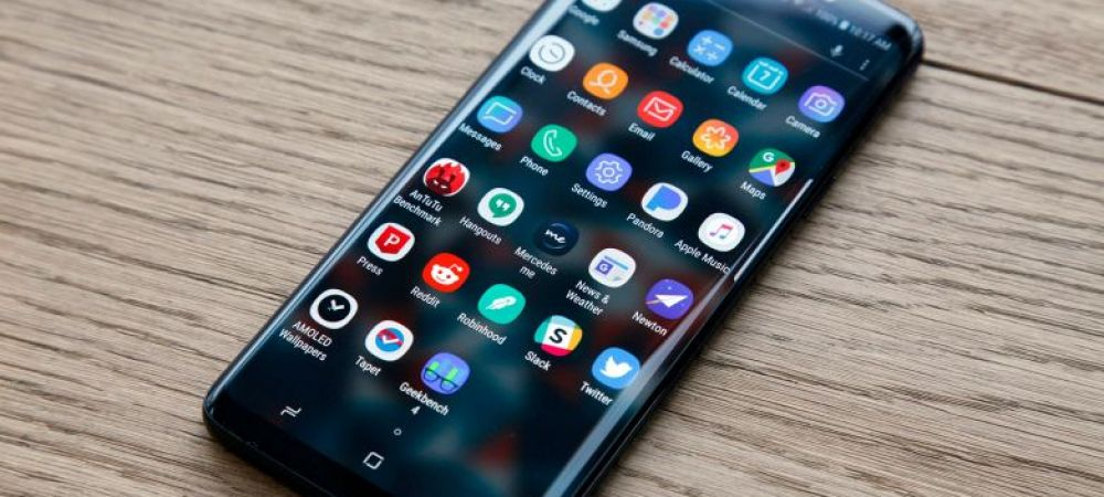 CRAZY DEALS la EMAG! Ofertele continua: 1.700 LEI reducere la iPhone si 1.400 la Galaxy S9! Vezi preturile