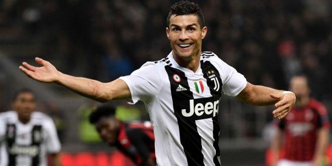 Sigur nu l-a prins in oferta de Black Friday :) Cati bani a putut sa dea Cristiano Ronaldo pe un ceas cu 424 diamante: FOTO