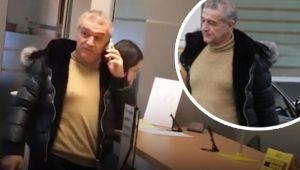 Gigi Becali a scos o suma uriasa de la banca. Cum a venit incaltat. FOTO