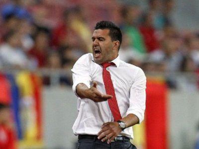 """Contra a explodat dupa ce criticii l-au acuzat ca nu a stiut ca nationala mai avea nevoie de un gol in Muntenegru: """"CE VRETI ACUM?! SI CE DACA SUNTEM IN URNA 4?!"""""""