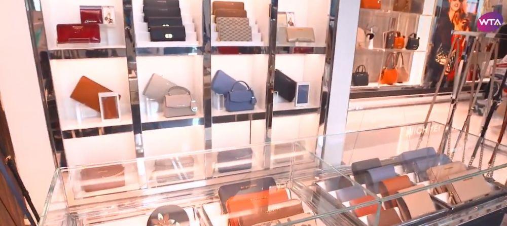 VIDEO | Simona Halep a dezvaluit ce si-a cumparat de Black Friday! Locul preferat de liderul mondial pentru shopping