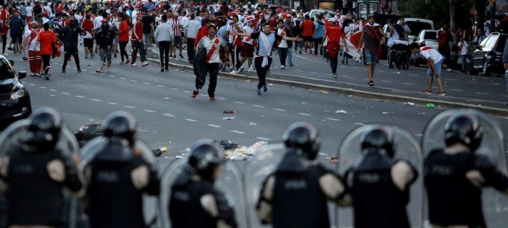 FOTO | Imaginile dezastrului! 56 de fani arestati dupa o noapte DE FOC in Argentina: politia a scos trupele speciale pe strazi