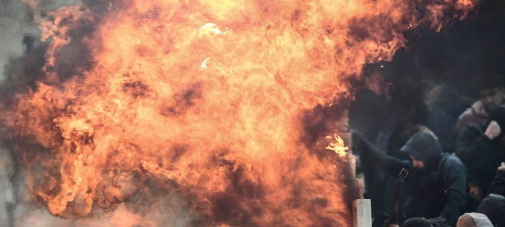 La un pas de tragedie la AEK - Ajax in UEFA Champions League! Un cocktail Molotov a explodat pe stadion