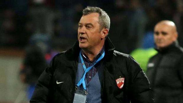 ULTIMA ORA   Comedia de la Dinamo continua si dupa venirea lui Rednic! Tade ar putea sa fie DAT AFARA inainte sa joace un minut