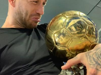 "Aroganta momentului! ""Si Balonul meu CAND?!"" Ramos a luat Balonul de Aur si a inceput sa PLANGA :)))"