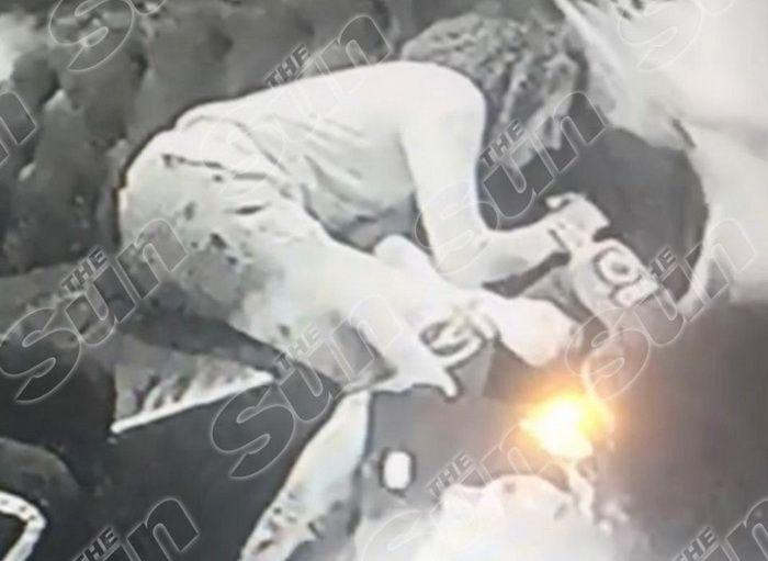 Imagini socante cu starurile lui Arsenal: lesinati pe canapea dupa ce au consumat drogul
