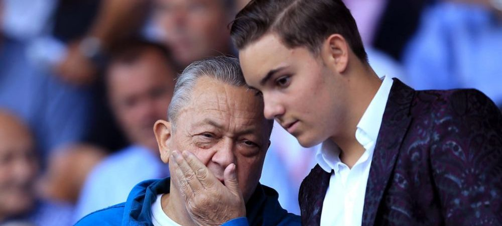 Gigi Becali e mic copil! :) Un patron din Premier League si-a numit fiul de 18 ani in functia de antrenor principal, la echipa de fete