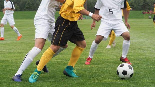 Regula incredibila in fotbal: echipele vor putea sa introduca un jucator in PLUS pe teren! Cum se ajunge la 12
