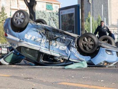 La un pas de o noua TRAGEDIE in Italia! Trei jucatori de la Juventus Primavera, implicati intr-un accident rutier cu o masina de politie! FOTO