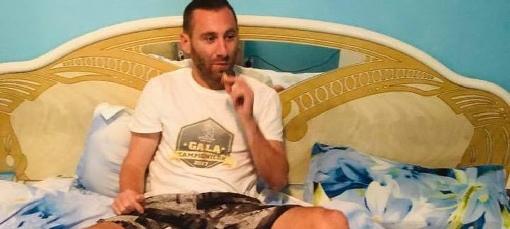 """Sa inceapa Barcelona!"" :)) A venit Mos Nicolae la un fost jucator de la Dinamo! Ce imagine a postat"