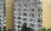 """Tinerii din Romania locuiesc ingramaditi, in case mici. """"Suntem 3 intr-o camera, e greu"""""""