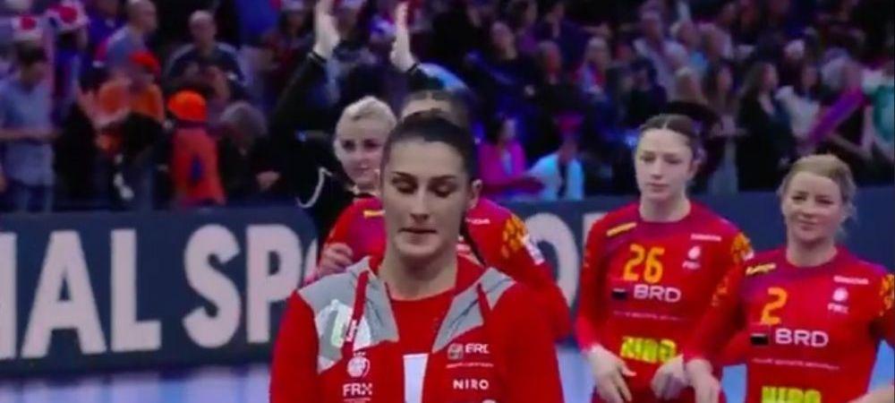 VIDEO FABULOS   Gestul superb al romancelor la finalul meciului cu Rusia: toata sala le-a aplaudat in picioare! Neagu si-a stapanit cu greu lacrimile