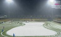 Imaginea etapei in Liga I: au intrat cu plugul pe teren :) Metoda originala prin care a fost curatat terenul de zapada