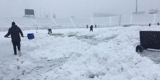 FOTO: Teren imposibil la Timisoara, meciul de rugby din Challenge Cup, in pericol sa nu se joace!