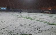 BREAKING NEWS: Botosani - FCSB, in pericol?! Terenul a fost din nou acoperit de zapada, botosanenii au chemat fanii si detinutii sa dea la lopata