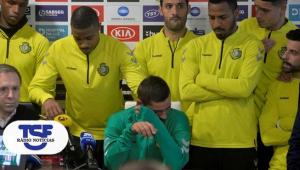 Imagini cutremuratoare! Un fost jucator din Liga 1 a anuntat la conferinta de presa ca are cancer! Coechipierii lui au izbucnit in lacrimi! VIDEO