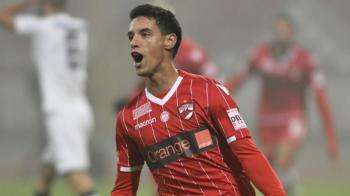 """Salomao, asaltat cu oferte: """"Nu stiu daca voi ramane la Dinamo!"""" Ce spune despre o eventuala mutare la rivalii de la FCSB: """"Asa se intampla in fotbal!"""""""