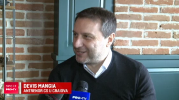 Craiova a castigat ultimul meci din 2018, iar Mangia a dat dezlegare la zaibar la petrecerea oltenilor! Cum au chefuit Mitrita si Mateiu: VIDEO