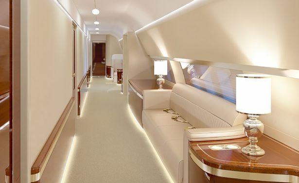 Avionul de 430 milioane al lui Putin are WC placat cu AUR, , dormitor, sala de fitness si de conferinte. FOTO