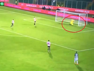 Faza saptamanii! Cum a putut sa isi dea autogol portarul lui Ascoli in meciul de aseara :) VIDEO